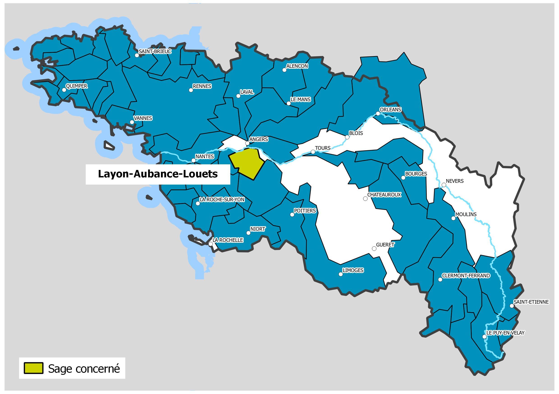 Carte de location du Sage Layon-Aubance-Louets. Représentation du bassin Loire-Bretagne, découpage en bleu des différents Sage du bassin, puis en vert le Sage concerné.Le tracé de la loire est également représenté.
